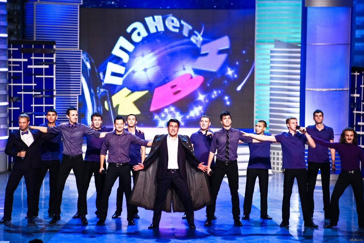 Команда шоу ИГРА «Камызяки» – классическая команда КВН «Камызяки» с Азаматом Мусагалиевым и Денисом Дороховым, участники первого сезона шоу.