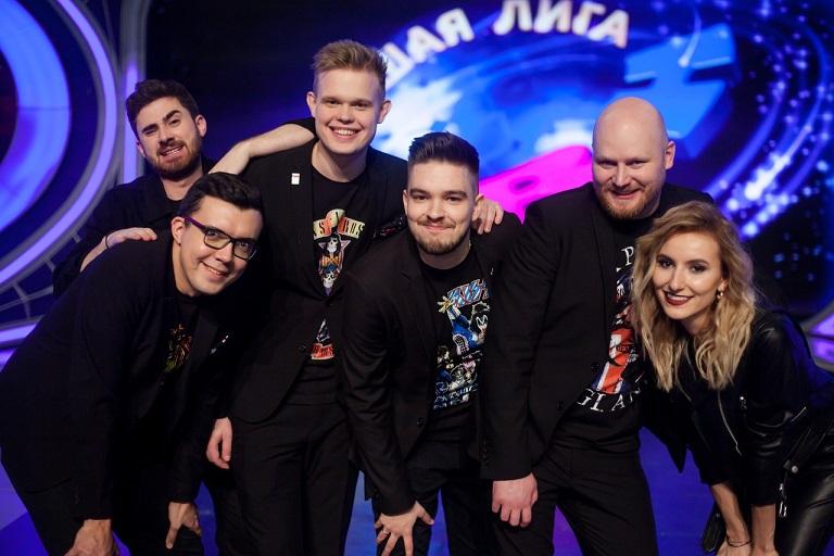 Команда шоу ИГРА «Наполеоны» – классическая команда КВН «Наполеон Динамит» с Александром Бурдашевым, участники первого сезона шоу.
